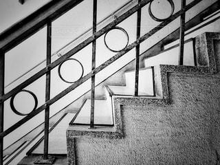 レトロな階段の写真・画像素材[3101345]