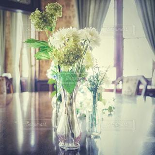 花を飾るの写真・画像素材[3247490]