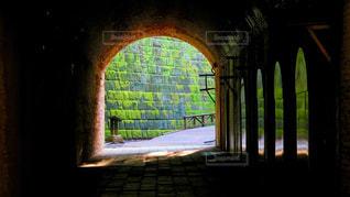 煉瓦造りのトンネルの写真・画像素材[1011568]