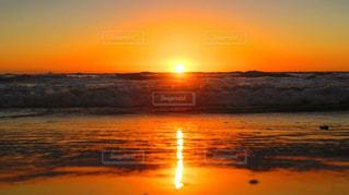 沈む夕日の写真・画像素材[1796096]