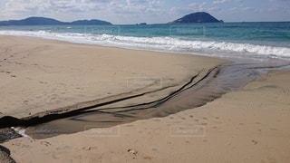 海の隣の砂浜の写真・画像素材[2927992]