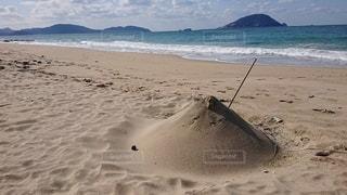 砂浜の近くの写真・画像素材[2928004]