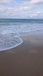白い波の写真・画像素材[2928008]
