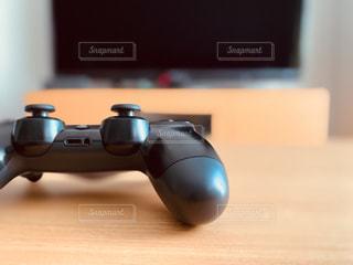 ゲームコントローラーの写真・画像素材[3051282]
