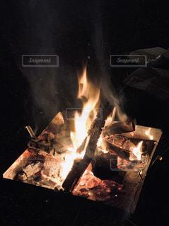 焚き火の写真・画像素材[2943514]