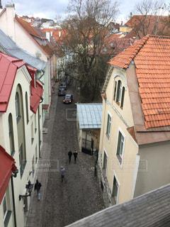 赤レンガの建物がある家の写真・画像素材[2939581]