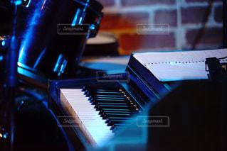 ジャズバーのピアノの写真・画像素材[2953004]