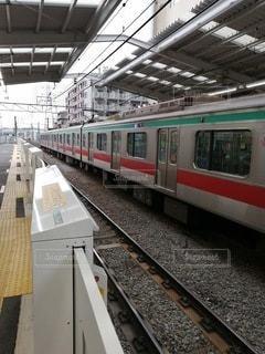 駅に電車の写真・画像素材[2966826]