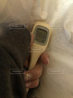 熱が出た体温計の写真・画像素材[2959440]