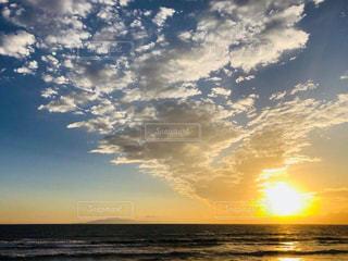 海に沈む夕陽♡湘南の写真・画像素材[2970550]