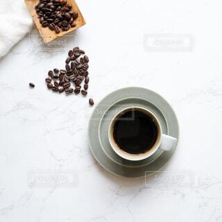 コーヒーとコーヒー豆の写真・画像素材[4256370]