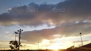 夕暮れの空の写真・画像素材[2980292]