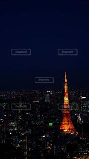 夜の東京タワー(縦)の写真・画像素材[2986191]
