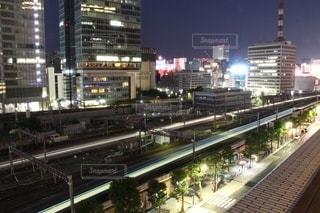 夜の都内列車の写真・画像素材[3551607]