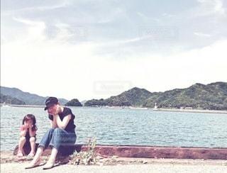 港町のママと娘の写真・画像素材[3007482]