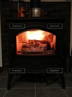 我が家の薪ストーブの写真・画像素材[3038094]