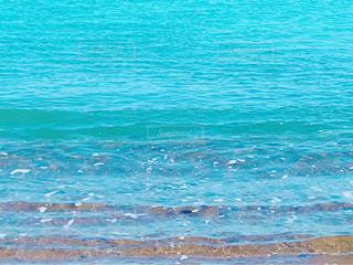 寄せる波の写真・画像素材[3015592]