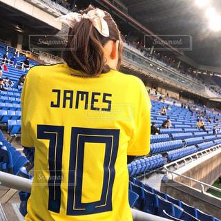 サッカー観戦する女の子の写真・画像素材[2995007]