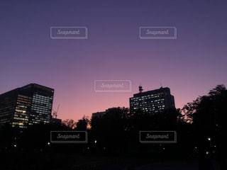 夜の街の眺めの写真・画像素材[2997762]