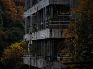 廃ホテルの写真・画像素材[3904817]