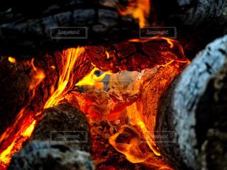 火のクローズアップの写真・画像素材[4020933]