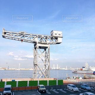 新港ふ頭のハンマーヘッドクレーンの写真・画像素材[3006655]