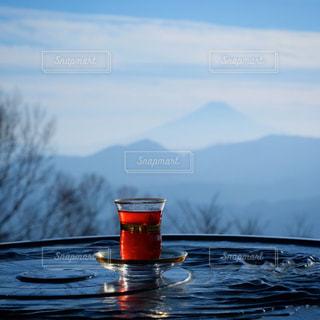 山頂からの富士山。雲取山でチャイ。の写真・画像素材[3045331]