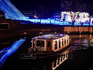 夜ライトアップ橋の写真・画像素材[1217673]