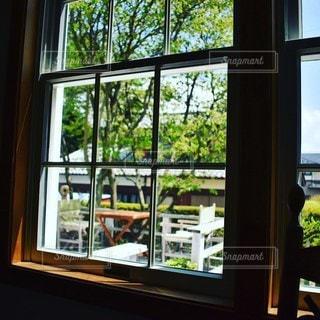窓際の景色の写真・画像素材[3022737]