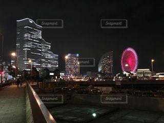夜の都市の眺めの写真・画像素材[3013342]
