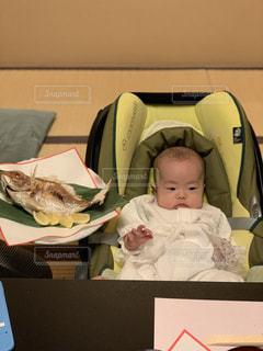 お食い初めの赤ちゃんの写真・画像素材[1757463]