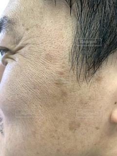 中年男性の横顔の写真・画像素材[2323158]