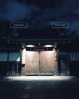 寺の夜の写真・画像素材[3081111]