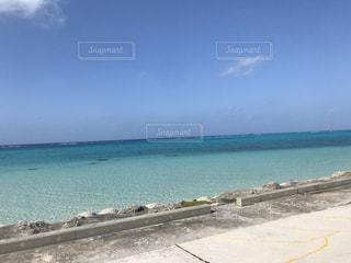 海の隣の砂浜の写真・画像素材[3025279]