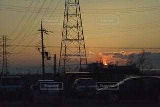 都市に沈む夕日の写真・画像素材[3046146]