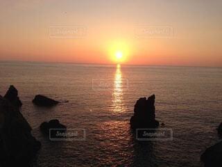 沈む夕日の写真・画像素材[4072805]