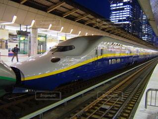 新幹線 MAX 連結の写真・画像素材[3592344]