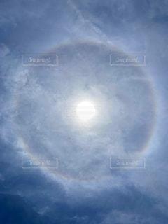 円形の虹・ハロの写真・画像素材[3043333]