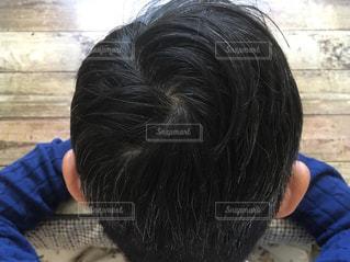 男性の後頭部の写真・画像素材[3093041]