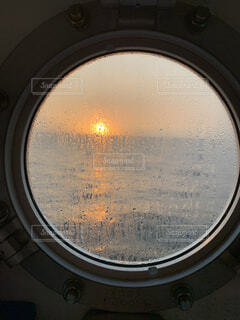 海上の夕焼けの写真・画像素材[3693776]