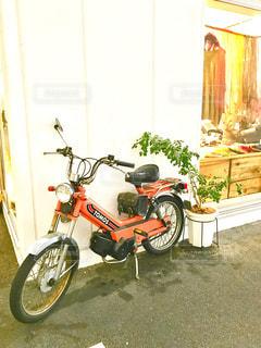 赤いバイクの写真・画像素材[314995]