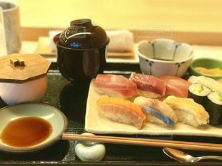 お寿司でランチの写真・画像素材[811190]