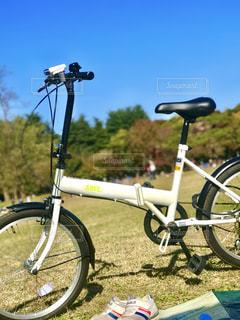 休日にサイクリングの写真・画像素材[862608]