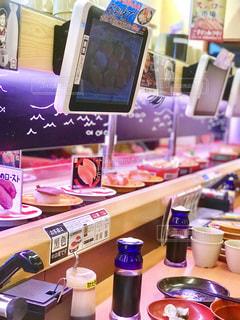 回転寿司でランチの写真・画像素材[912433]