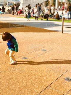 影踏み遊びの写真・画像素材[969673]