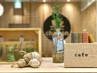 カフェの小物のディスプレイの写真・画像素材[1301480]
