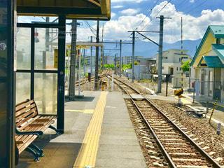 無人駅の昼下がりの写真・画像素材[1345147]