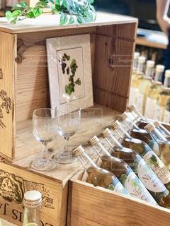 ワインとワイングラスの写真・画像素材[1454158]
