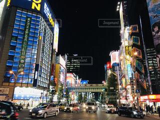繁華街の交差点の写真・画像素材[1550088]
