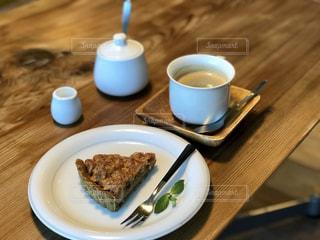 タルトとコーヒーの写真・画像素材[1636202]